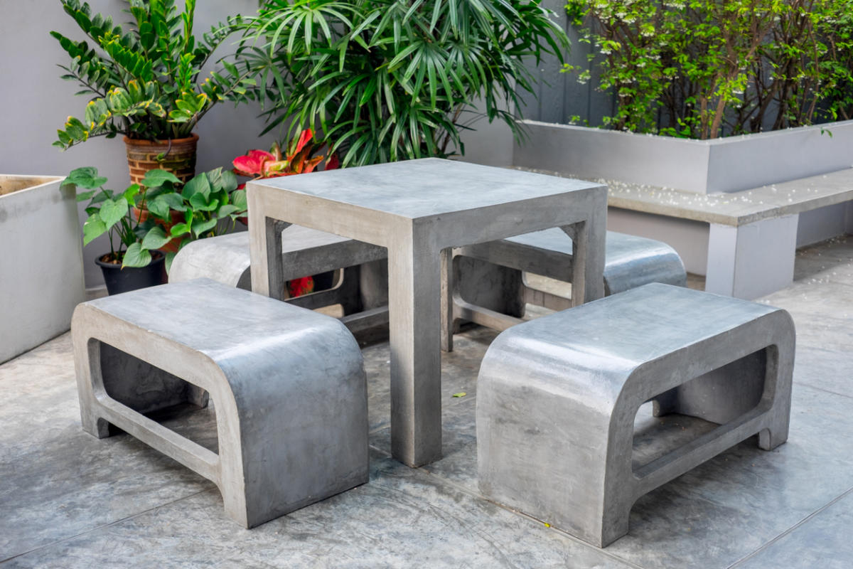 Уличная мебель из бетона